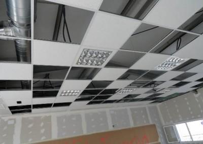 Instalaciones de paneles en techo desplomado